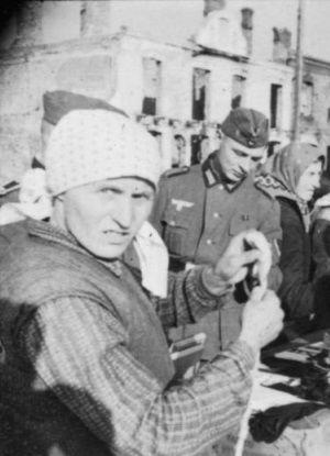 Co znamienne, na ulicach miast trudno było dostrzec Polaków, którzy byliby grubi.