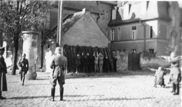 Kiedy Polacy próbowali zdobyć żywność poza legalnym obiegiem i angażowali się w działalność czarnorynkową, ryzykowali rozstrzelanie.