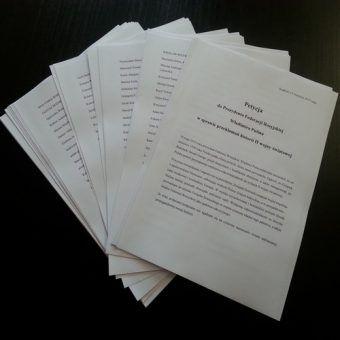 Petycja... i cały plik podpisów.