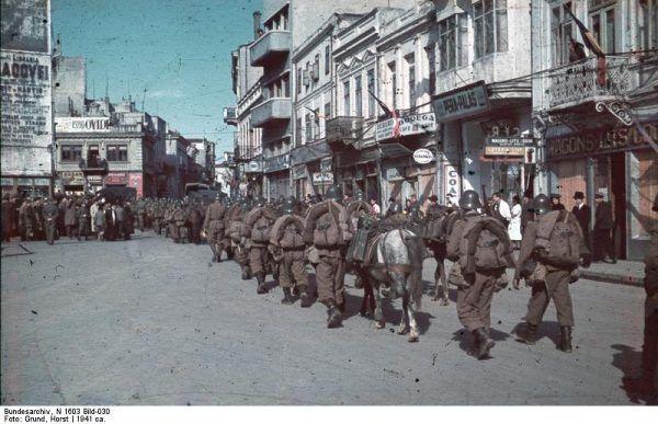 Rumuńscy żołnierze w Konstancy, 1941 r. (fot. Bundesarchiv, N 1603 Bild-030 / Horst Grund / CC-BY-SA 3.0).