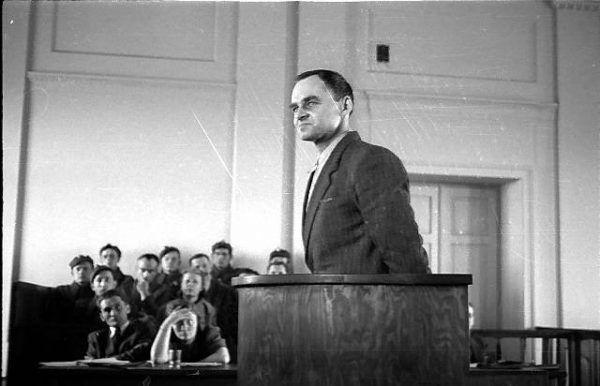 Witold Pilecki w czasie procesu. Wkrótce miał zostać skazany na śmierć i zapomnienie (fot. domena publiczna).
