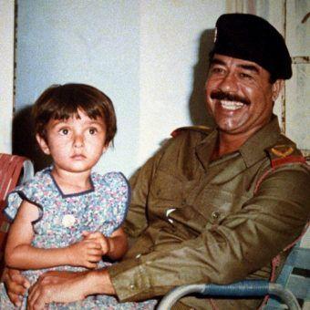 """Saddam Husajn, krwawy dyktator i marny ojciec w jednej osobie. Zdjęcie z książki """"Dzieci dyktatorów""""."""