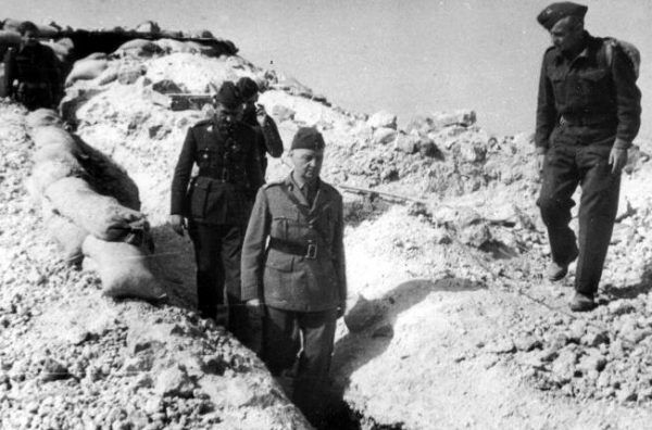 Gen. Sikorski w Tobruku (fot. domena publiczna).