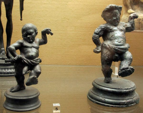 Rzymskie statuetki tańczących karłów (fot. Sailko, CC BY-SA 3.0).