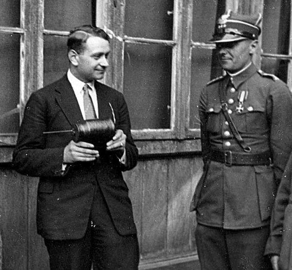 Stefan Witkowski (z lewej). Czy to on był pierwowzorem Blofelda?