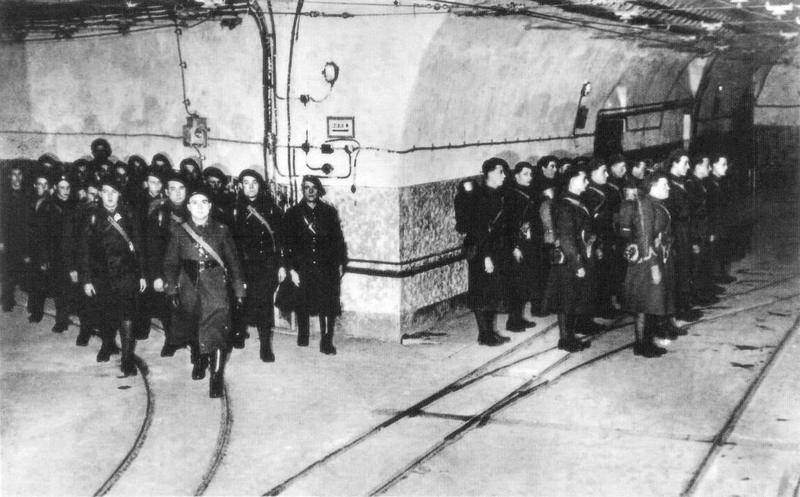 Francuscy żołnierze stanowiący załogę linii Maginota. W 1940 roku wśród nich znalazł się również Jean-Marie Loret (źródło: domena publiczna).