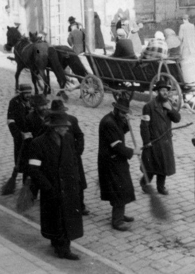 W początkowym okresie wojny Niemcy chcieli wykorzystać Żydów do budowy nazistowskiego imperium na wschodzie (źródło: domena publiczna).