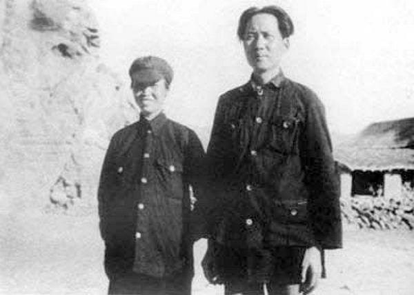 Przewodniczący Mao i He Zizhen.