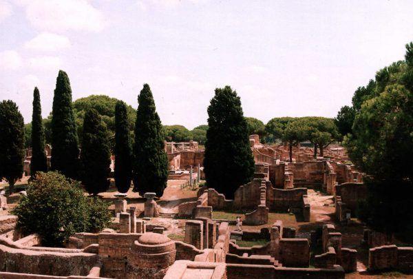 Nawet położony nieopodal Rzymu port w Ostii został splądrowany przez rozzuchwalonych piratów (fot. Pudelek, CC BY-SA 3.0).