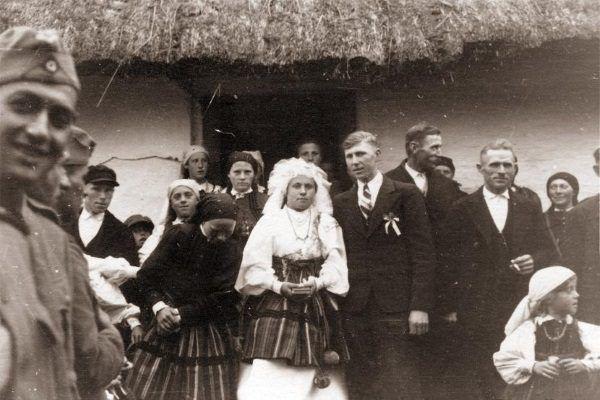 Wesele chłopskie w Radzicach koło Drzewicy, 1940 r.
