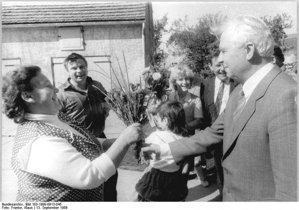 Jegor Ligaczow, jeden z głównych pomysłodawców antyalkoholowej krucjaty musiał w końcu przyznać, że była ona błędem (fot. Klaus Franke, ze zbiorów Bundesarchiv, Bild 183-1989-0913-045 / CC-BY-SA 3.0).