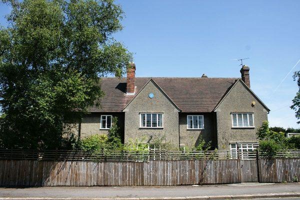 Dom Tolkienów przy Northmoor Road 20 w Oksfordzie. Być może podobny powinien stanąć u nas na Mazurach? (zdjęcie opublikowane na licencji CCA by SA 3.0, autor Michael Paetzold)