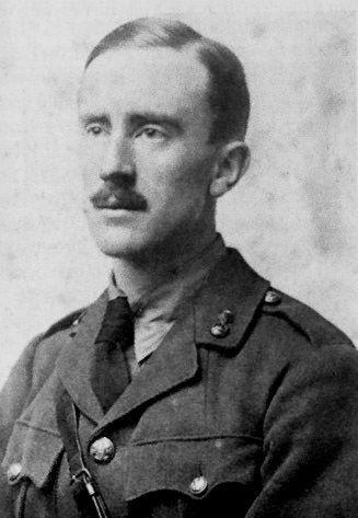 """Niemieccy wydawcy w 1938 roku zastanawiali się, czy Tolkien jest aryjczykiem. Twórca """"Hobbita"""" odpowiedział im w błyskotliwy sposób. (zdjęcie domena publiczna)"""