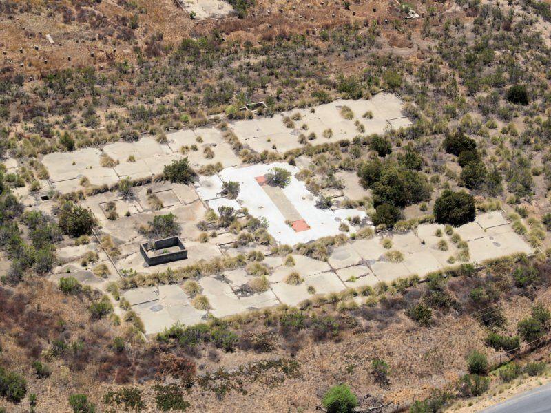 Współczesny widok ruin Camp Elliott - miejsca, gdzie szkolili się szyfranci Nawaho (fot. Philkon (Phil Konstantin), lic. CC BY-SA 3.0).
