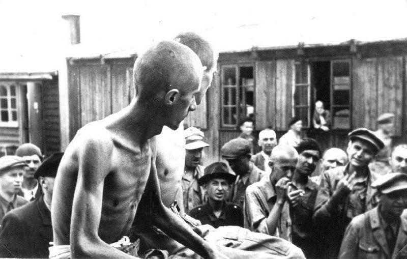 Słowacy Żydzi przetrzymywani w obozie pracy w Żylinie (źródło: domena publiczna).
