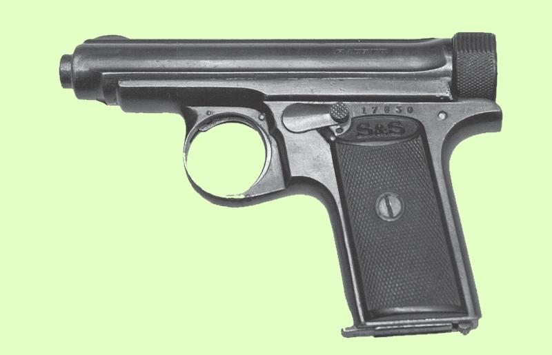 """Pistolet Sauer M1913 – typowa broń wykorzystywana m.in. do egzekucji wyroków wydawanych przez sądy Polskiego Państwa Podziemnego. Zdjęcie i podpis pochodzą z """"Wielkiej Księgi Armii Krajowej"""" (Znak Horyzont 2015)."""