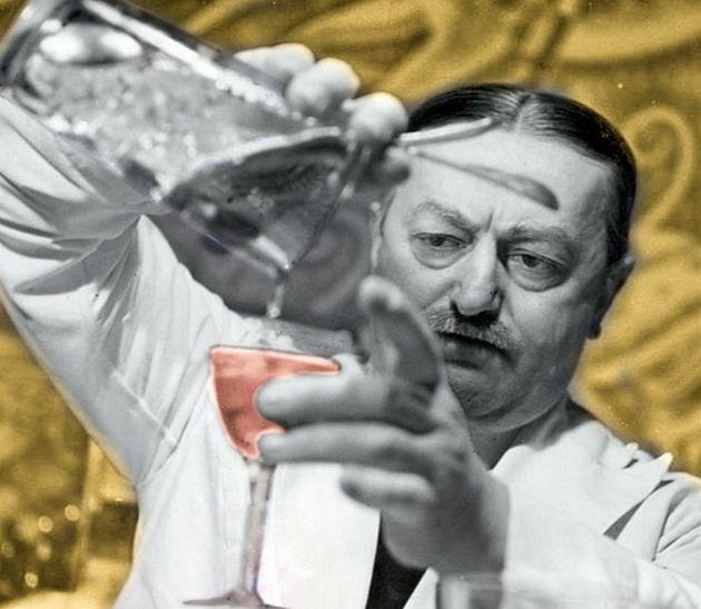 Jak zgładzić Hitlera w przerwie między jednym drinkiem a drugim?