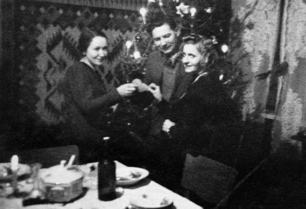 Mimo narastającej biedy i beznadziei Polacy nie zarzucili obchodzenia świąt. Była to dla nich ta odrobina normalności niezbędna do zachowania zdrowych zmysłów.