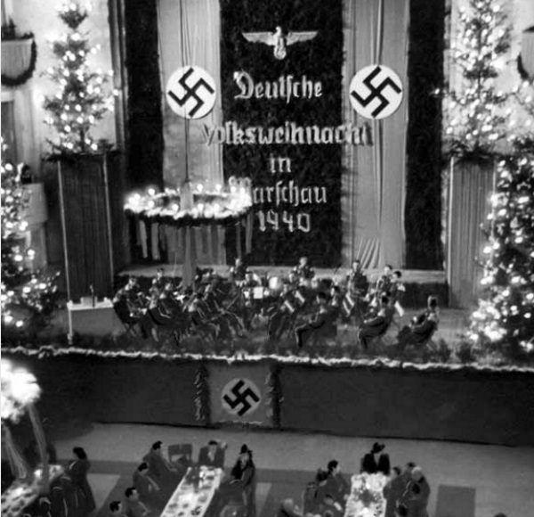 Kiedy Polacy obracali w rękach każdy grosz przed jego wydaniem, Niemcy nie mieli żadnych skrupułów i radośnie świętowali Boże Narodzenie.