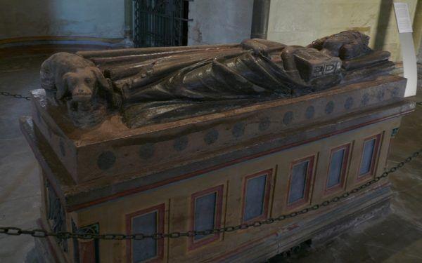 Niespełna 40-letni cesarz Henryk III na wieść o klęsce zadanej z rąk Wieletów wyzionął ducha. Teraz spoczywa pod tym sarkofagiem w Spirze (źródło: domena publiczna).
