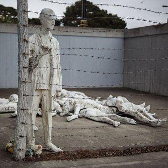 Pomnik upamiętniający ofiary Holokaustu w San Francisco (fot. Eekim; lic. CC0 1.0 Public Domain Dedication).