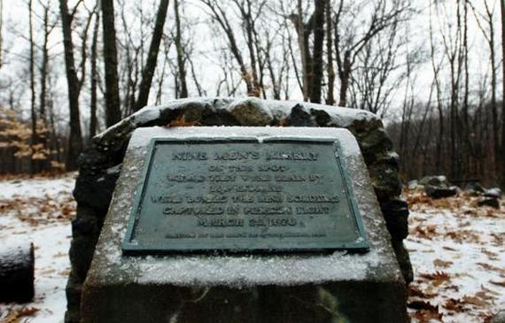 """Napis upamiętniający miejsce tragedii - """"Nine Men's Misery"""" w Cumberland (źródło: domena publiczna)."""