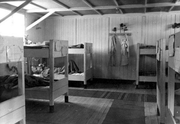 Pobyt w obozowym szpitalu pozwolił Bartoszewskiemu na częściowe odzyskanie sił (źródło: yadvashem.org/).