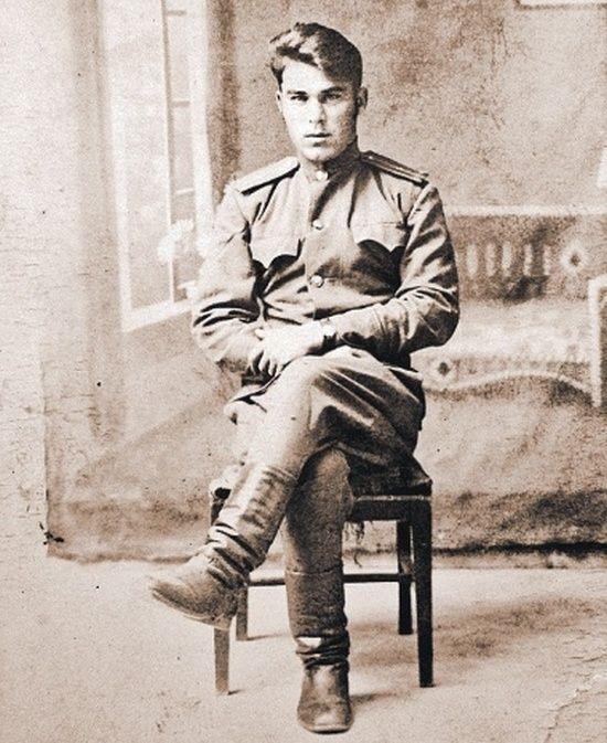Syn Stalina i Lidii, Aleksander Dawidow (nazwisko po ojczymie; źródło: domena publiczna).