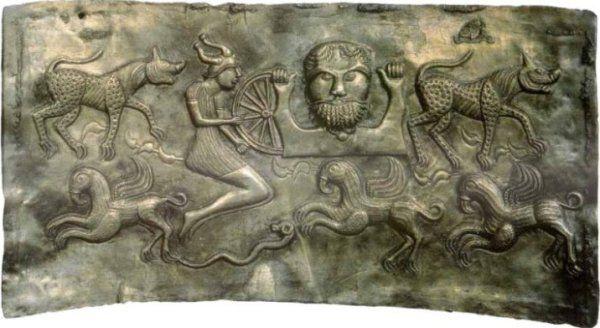 Celtyckie bóstwa były bezwzględne i surowo domagały się ofiary. Wśród nich najważniejszy był Dagda, bóg druidów, rolnictwa, obfitości i płodności (źródło: domena publiczna).