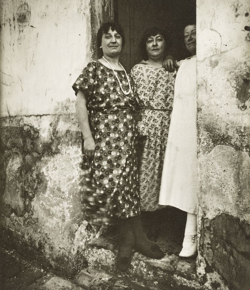 Po wyzwoleniu w sierpniu 1944 roku paryskie prostytutki obsługiwały dziesiątki tysięcy alianckich żołnierzy dziennie (źródło: domena publiczna).