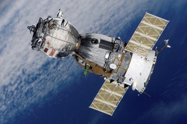 Statek Sojuz na orbicie okołoziemskiej, 2008 rok (fot. NASA, domena publiczna).