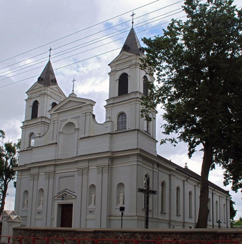 Kościół parafialny w Suchowoli. To tu wikarym był Stanisław Suchowolec (fot. Polimerek, lic. CC BY-SA 3.0).
