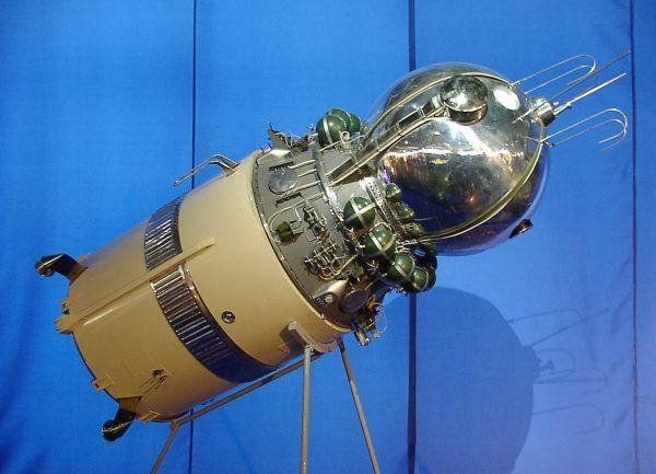 Makieta statku Wostok 1, w którym odbył swój pionierski lot Jurij Gagarin (fot. Benutzer:HPH, CC BY-SA 3.0).