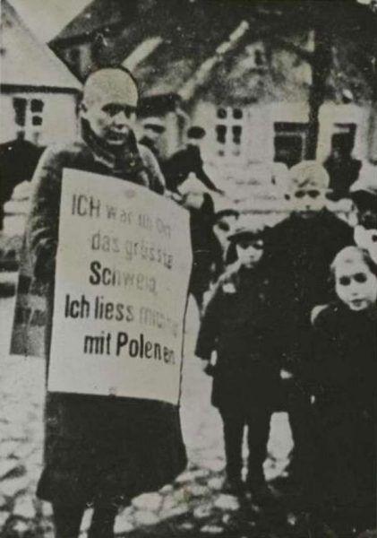 W czasie okupacji polska i niemiecka opinia publiczna była zaskakująco zgodna co do tego, co należy robić z kobietami, które sypiają z wrogiem. W obu społecznościach królowało strzyżenie na łyso i publiczne napiętnowanie (źródło: domena publiczna).