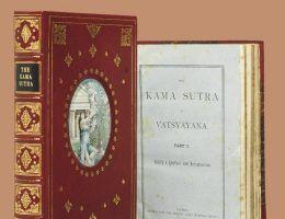 Egzemplarz pierwszego wydania Kamasutry wystawiony na akcji przez Christie's. Sprzedano go w 2012 roku za ponad 17 000 dolarów!
