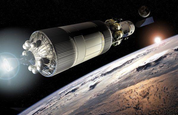 Artystyczna wizja górnego stopnia rakiety Ares opuszczającego orbitę okołoziemską wraz z zadokowanym do niej statkiem Orion (rys. NASA, domena publiczna).