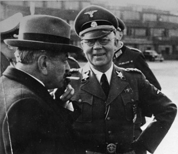 """Francuski prawicowy polityk Pierre Laval i szef SS i policji w okupowanej Francji, Carl Oberg. Ci dwaj """"dżentelmeni"""" omawiali m.in. eksterminację Żydów w północnej Francji (fot. domena publiczna)."""