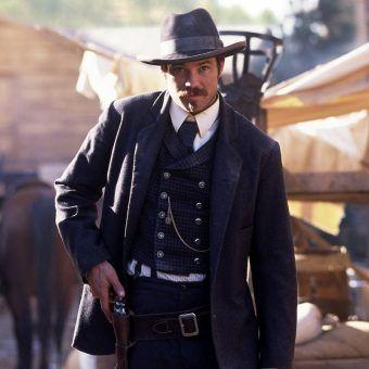 """Kadr z serialu """"Deadwood"""". Źródło: materiały promocyjne filmu."""