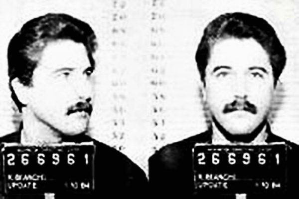 """Kenneth Bianchi, czyli """"Dusiciel ze wzgórz"""" na fotografii policyjnej z 1979 roku (źródło: Los Angeles Sheriff's Department, domena publiczna)."""