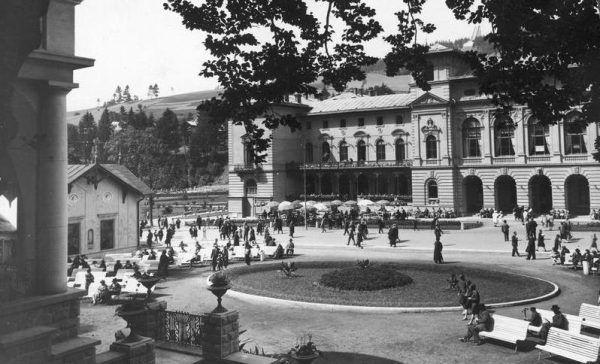 Zanker był tak przekonującym symulantem, że trafił nawet do sanatorium w Krynicy! Tu zaczął uczyć się polskiego (źródło: Narodowe Archiwum Cyfrowe, domena publiczna).