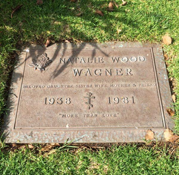 Po trzydziestu latach sprawa śmierci Natalie ponownie zainteresowała śledczych. Grób aktorki w Westwood Memorial Park (fot. Taph Madison, lic. CC BY-SA 4.0).