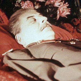 """Zdjęcie z filmu """"Śmierć Stalina - koniec epoki"""", emitowanego w Polsat Viasat History"""
