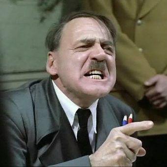 """Słynna tyrada Hitlera znana z filmu """"Upadek"""" wydarzyła się naprawdę (il. kadr z filmu)."""