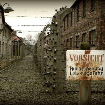 Obóz Auschwitz I na zdjęciu Juana Antonio F. Segala (źródło: flickr, lic. CC BY 2.0).