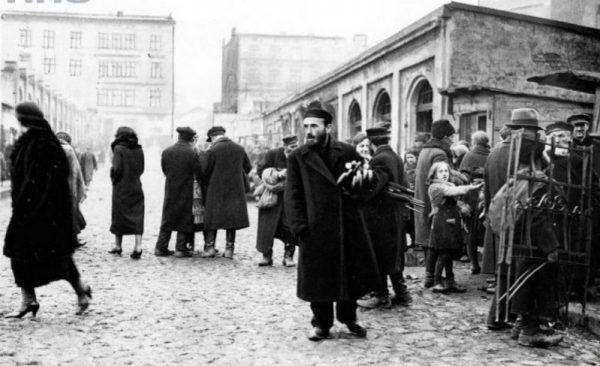 W przedwojennej Łodzi był jeden król złodziei - Menachem Bornsztajn, Ślepy Maks. To on cieszył się największym szacunkiem ludzi łódzkich ulic (źródło: domena publiczna).