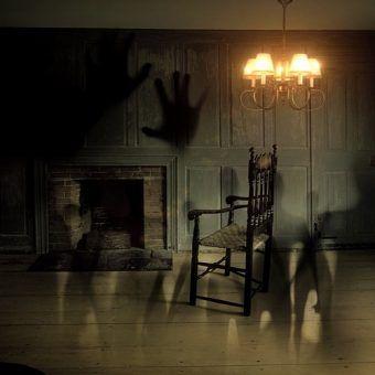 Okultyzm, mediumizm, hipnoza... Moda na paranormalne rozrywki nie ominęła też umysłów ścisłych (źródło: domena publiczna).