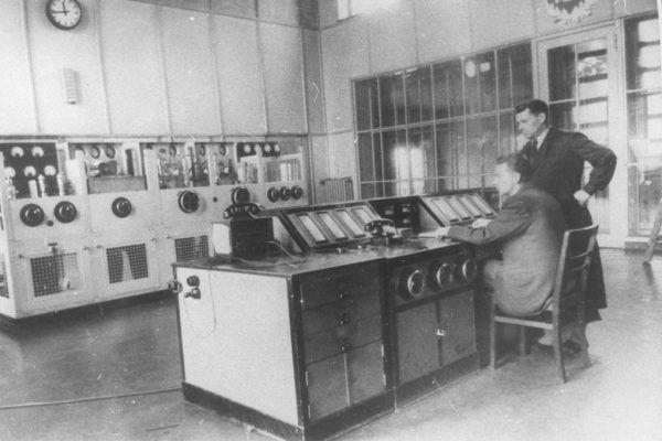 Sala nadajnika gliwickiej radiostacji. To właśnie ona była miejscem osławionej prowokacji (źródło: domena publiczna).