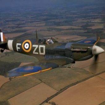 Piloci RAF-u żyli szybko i ginęli młodo (źródło: domena publiczna).