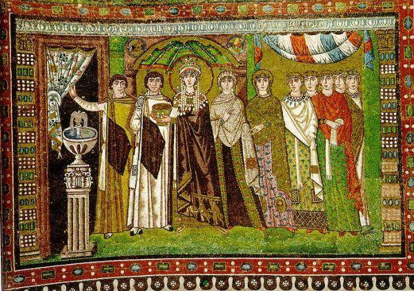 Nie mogąc liczyć na zwichrowanego męża, Zofia ujęła ster władzy we własne ręce. Bardzo pomogło jej to, że była siostrzenicą słynnej cesarzowej Teodory. Mozaika z kościoła San Vitale w Rawennie, przedstawiająca Teodorę ze swą świtą (źródło: domena publiczna).