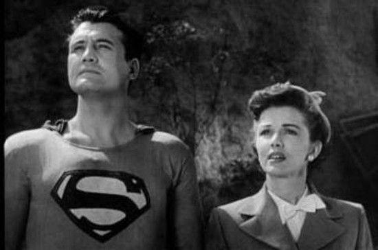 """Rola w serialu """"Przygody Supermana"""" przyniosła George'owi Reevesowi sławę, ale nie nieśmiertelność (przynajmniej nie w podstawowym znaczeniu tego słowa)... (źródło: domena publiczna)."""